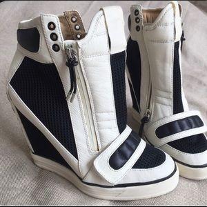 L.A.M.B. by Gwen Stefanie Nala Wedge Sneakers